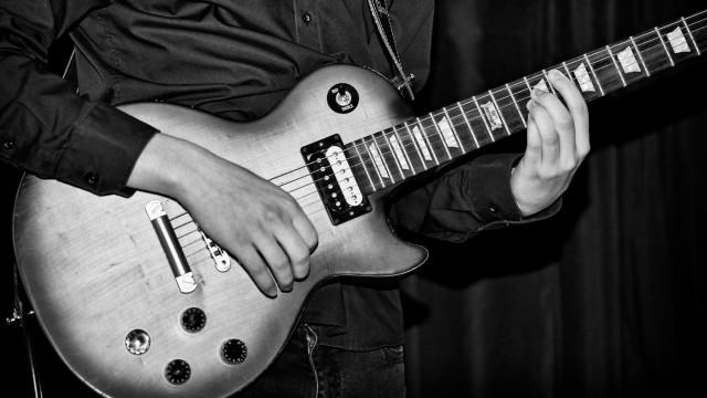 2017_lesung_planb_gitarre